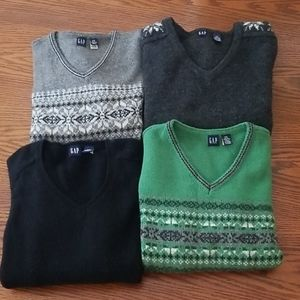GAP V-neck Lambswool Sweaters Lot of 4